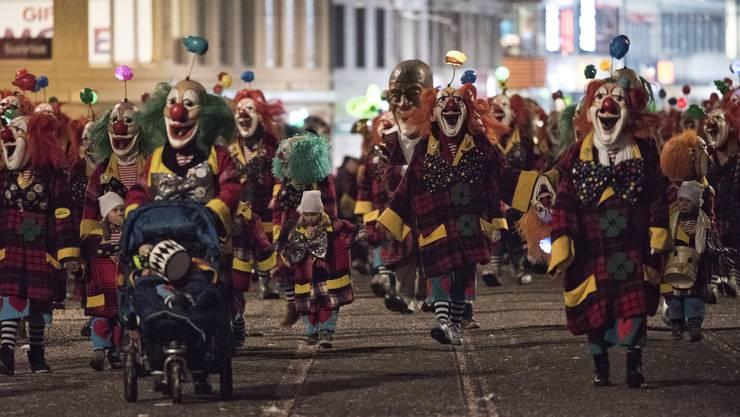Das Parade-Kostüm der Negro Rhygass ist ein Clown.