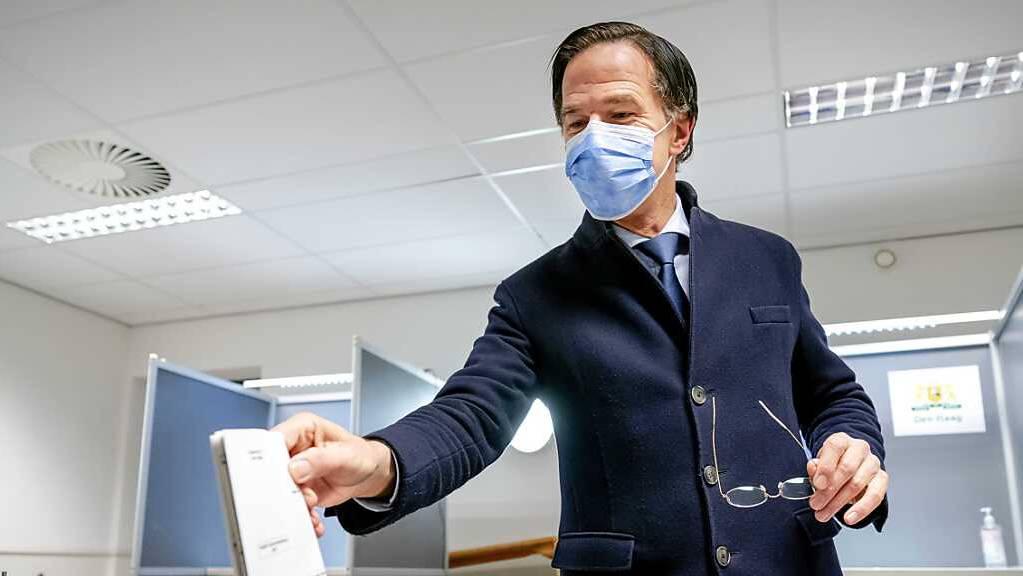 Ist weiterhin auf mehrere Koalitionspartner angewiesen: Mark Rutte. Foto: Bart Maat/ANP/dpa