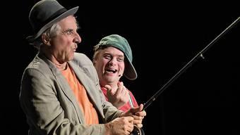 """Eric Gadient ist ein leidenschaftlicher Clown. Aber kein gewöhnlicher, denn er hat das Down Syndrom. Zusammen mit Olli Hauenstein erobert er die Bühnen der Deutschschweiz. Über 60 Mal spielten sie das Stück """"Clown Syndrom"""". Die beiden begeistern das Publikum mit ihrer einfühlsamen und authentischen Art."""