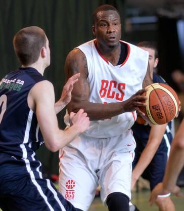 Solothurn mit Michael Polite (am Ball) fehlte in dieser Saison vor allem in der Schlussphase die Konstanz.HPS