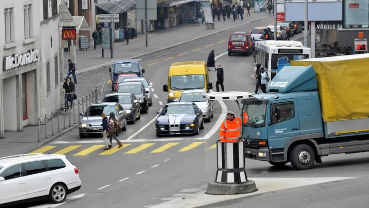 Der Aargauerplatz als Aarauer Verkehrsdrehscheibe.