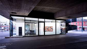 Unter den Brücken: Die neue Galerie Vitrine am Vogesenplatz steht an einem aussergewöhnlichen Ort.