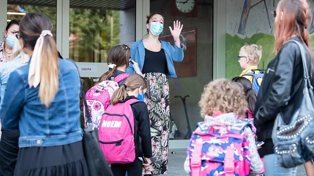 Stadt Luzern führt Maskenpflicht für Erwachsene auf Schulareal ein