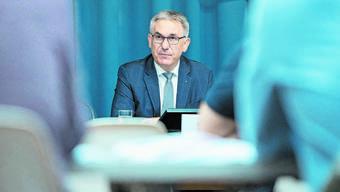 Bildungsdirektor Alex Hürzeler setzt sich für Lösungen bei Maturitäts- und Berufsabschlüssen ein.