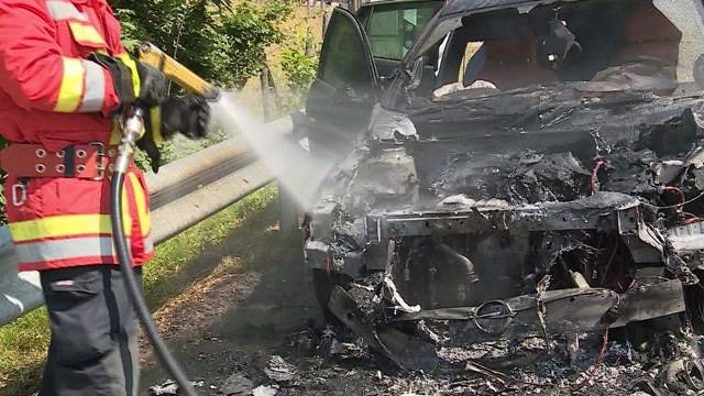 Autobrand auf Staffeleggstrasse