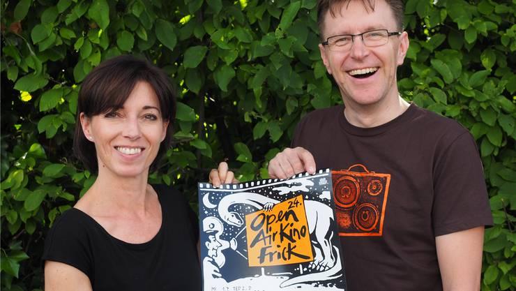 Freuen sich auf das vierwöchige Open-Air-Kino: Martina Welti und Philipp Weiss von Fricks Monti. Thomas Wehrli