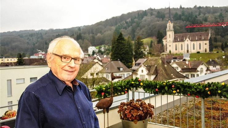 Werner Huber wohnt heute in Villmergen mit herrlicher Aussicht auf die Pfarrkirche St. Peter und Paul. Toni Widmer