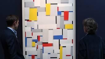 """Rekordpreis für ein Werk des Schweizer Künstlers Fritz Glarner: """"Relational Painting, Nr. 60"""" hat bei einer Auktion in London für 948'750 Franken den Besitzer gewechselt."""