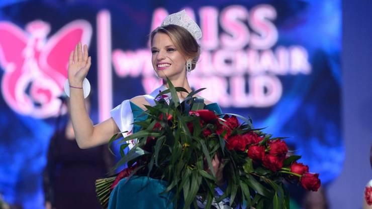 """Ist zur ersten weltweiten """"Miss Rollstuhl"""" gekürt worden: die 23-jährige weissrussische Studentin Alexandra Schischikowa."""