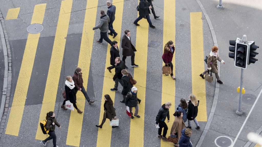 Volksinitiative für gerechtere Besteuerung am Frauentag lanciert