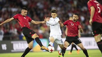 Edon Zhegrova (Mitte) erzielte beim 3:0-Sieg von Kosovo gegen Albanien im letzten Mai in Zürich einen Treffer