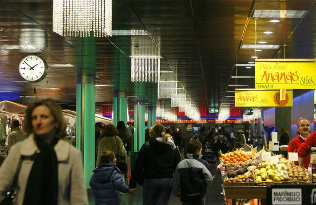 Der von den SBB verwaltete Teil des Bahnhofs – ein Teil gehört der Stadt – legte 15 Prozent zu. Ohne die neu dazu gekommenen Läden verlorder Bahnhof Zürich 2 Prozent Umsatz.