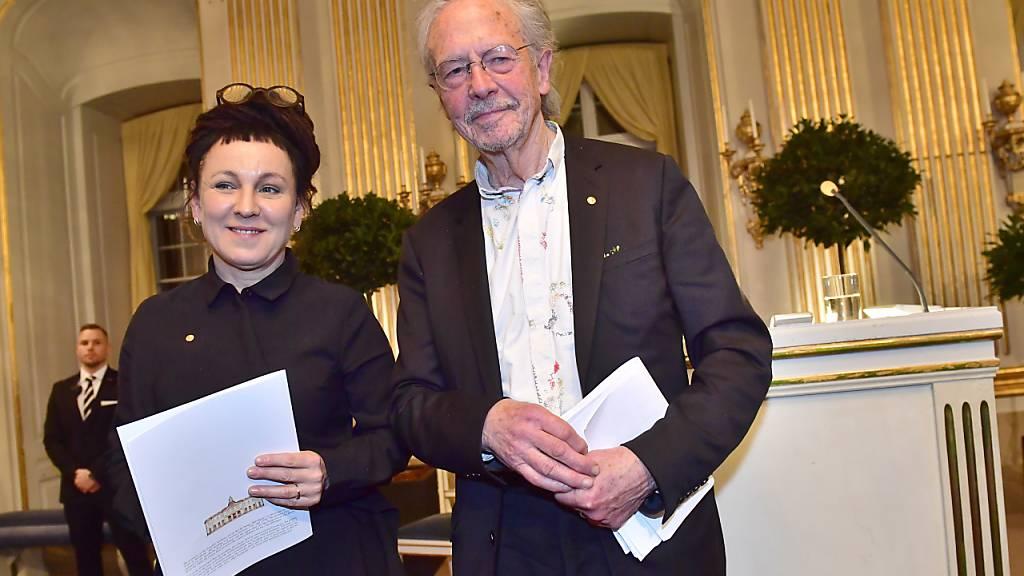 Die beiden Literaturnobelpreisträger Olga Tokarczuk und Peter Handke haben sich in ihren Nobelvorlesungen auf völlig unterschiedliche Themen konzentriert.