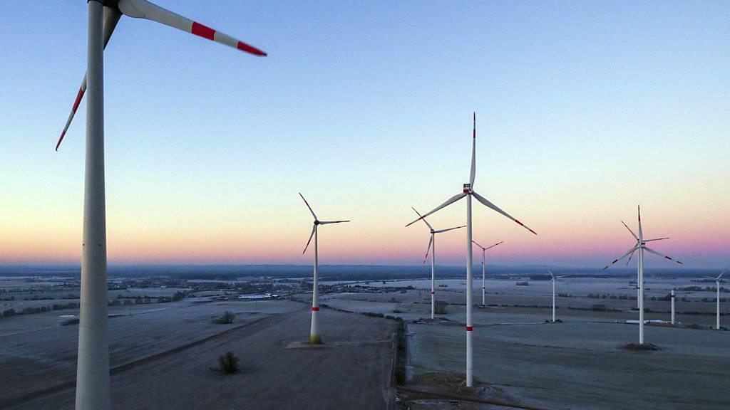 Ein Mega-Windpark vor der Küste der Niederlanden hat seinen Betrieb aufgenommen. (Symbolbild)
