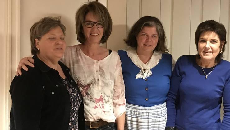 Neue Vorstandsmitglieder mit der Präsidentin: vl Dorli Schenker, Karin Jetzer, Doris Schenker,Pia Schibler