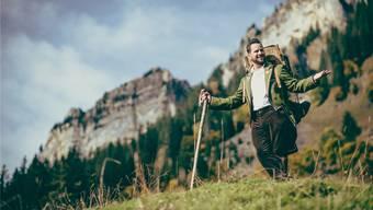 Alpentainer Trauffer ist der erfolgreichste Schweizer Musiker der letzten Jahre und steht mit seiner Musik für eine heile Welt.Adrian Bretscher