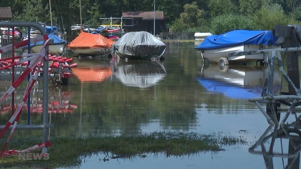 Hochwasser in Avenches: «Restaurant de la Plage» droht einzustürzen, Campingplatz steht unter Wasser