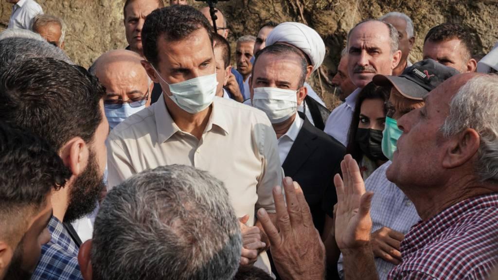 Waldbrände in Syrien treiben Zehntausende in die Flucht
