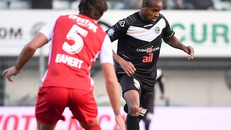Luganos neuer Stürmer Rangelo Janga, hier gegen Sions Verteidiger Jan Bamert
