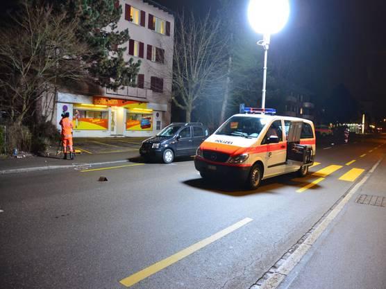 Fussgängerin in Glattbrugg angefahren und schwer verletzt (3)