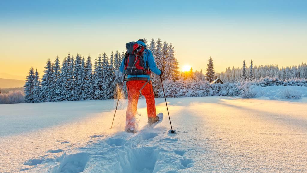 Von den Skis auf die Schneeschuhe – Run auf Sportgeschäfte