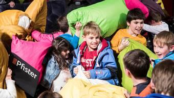 Rote Wangen und strahlende Augen: Je mehr Kinder und Kissen, desto grösser ist der Spass.