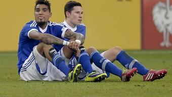 Am Boden: Schalkes Kevin-Prince Boateng (l.) und Julian Draxler nach der Cup-Pleite gegen Hoffenheim.