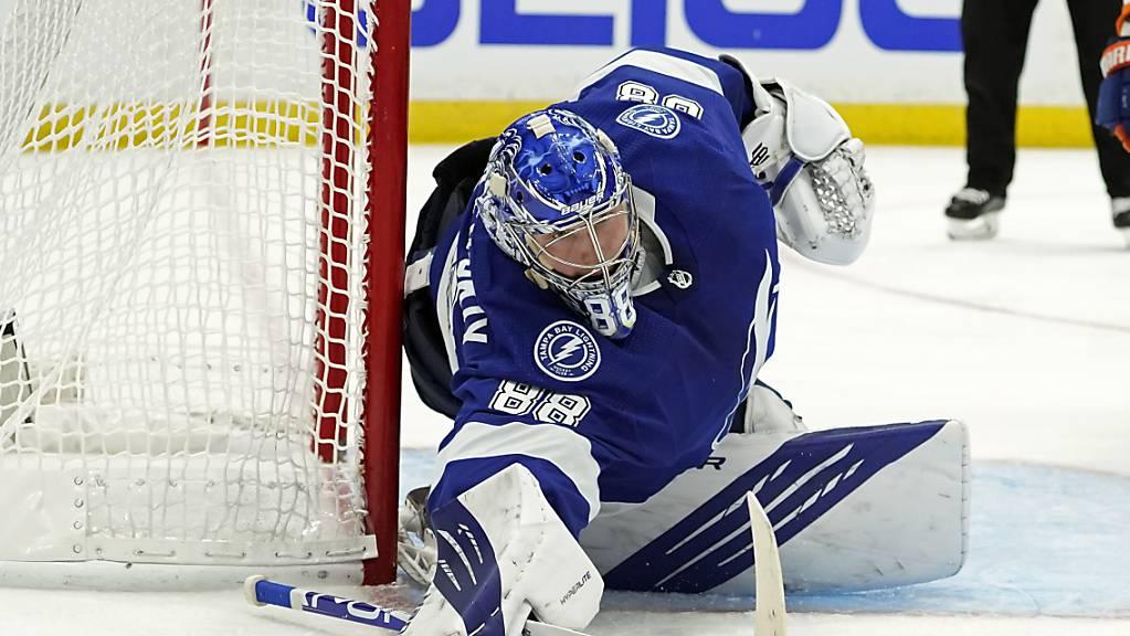 Tampas Goalie Andrej Wassilewski feierte im entscheidenden siebenten Halbfinalspiel gegen die Islanders einen Shutout.