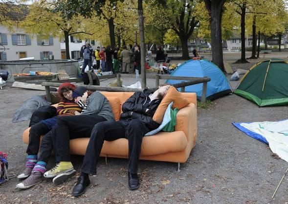 Die Zürcher «Occupy Paradeplatz»-Bewegung campieren auf dem Lindenhof
