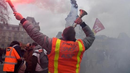 Frankreichs Lokführer streiken drei Monate