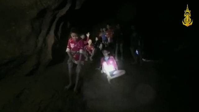 Höhlen-Drama: Wettlauf gegen die Zeit