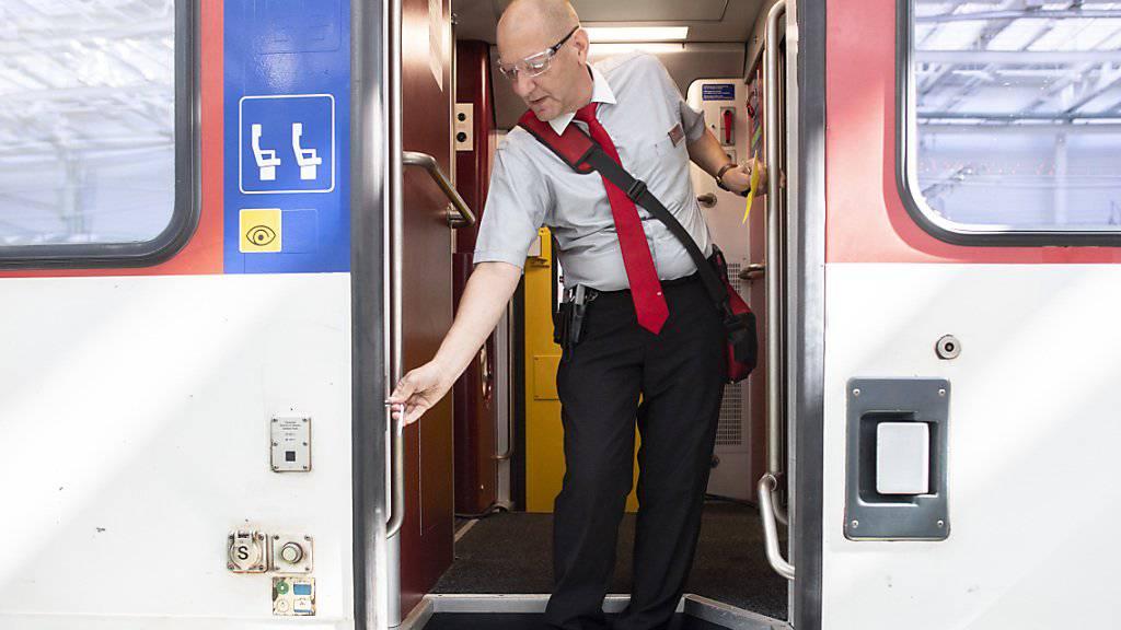 Die Arbeitsabläufe der Zugbegleiter sind laut den SBB sicher. Allerdings wurden bisher fünf Türen mit defektem Einklemmschutz entdeckt.