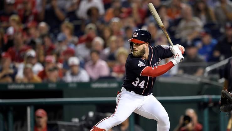 Baseballer Bryce Harper hat bei den Philadelphia Phillies einen neuen 13-Jahre-Vertrag für 330 Millionen Dollar unterschrieben – Rekord im US-Sport.