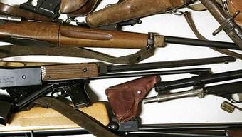 Armeewaffen werden oft bei Familiendramen verwendet (Archiv)