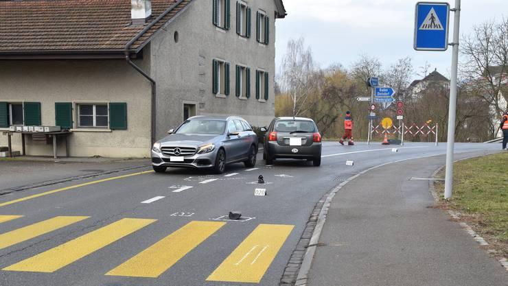 Kollisionsendstellung der beiden beteiligten Fahrzeuge.