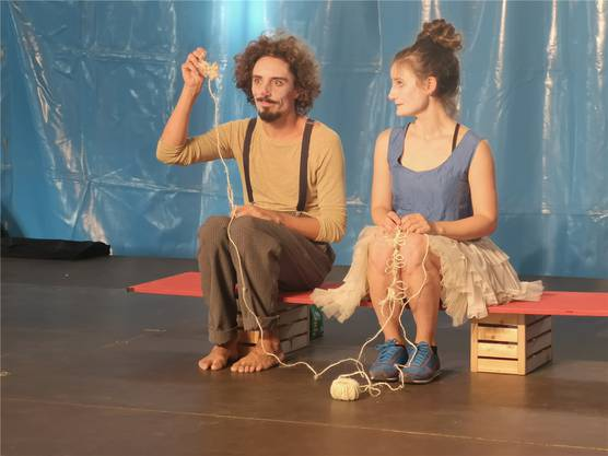 Was machts du da? Das Schweizer Clowntheater-Duo Nasva& Ravu.