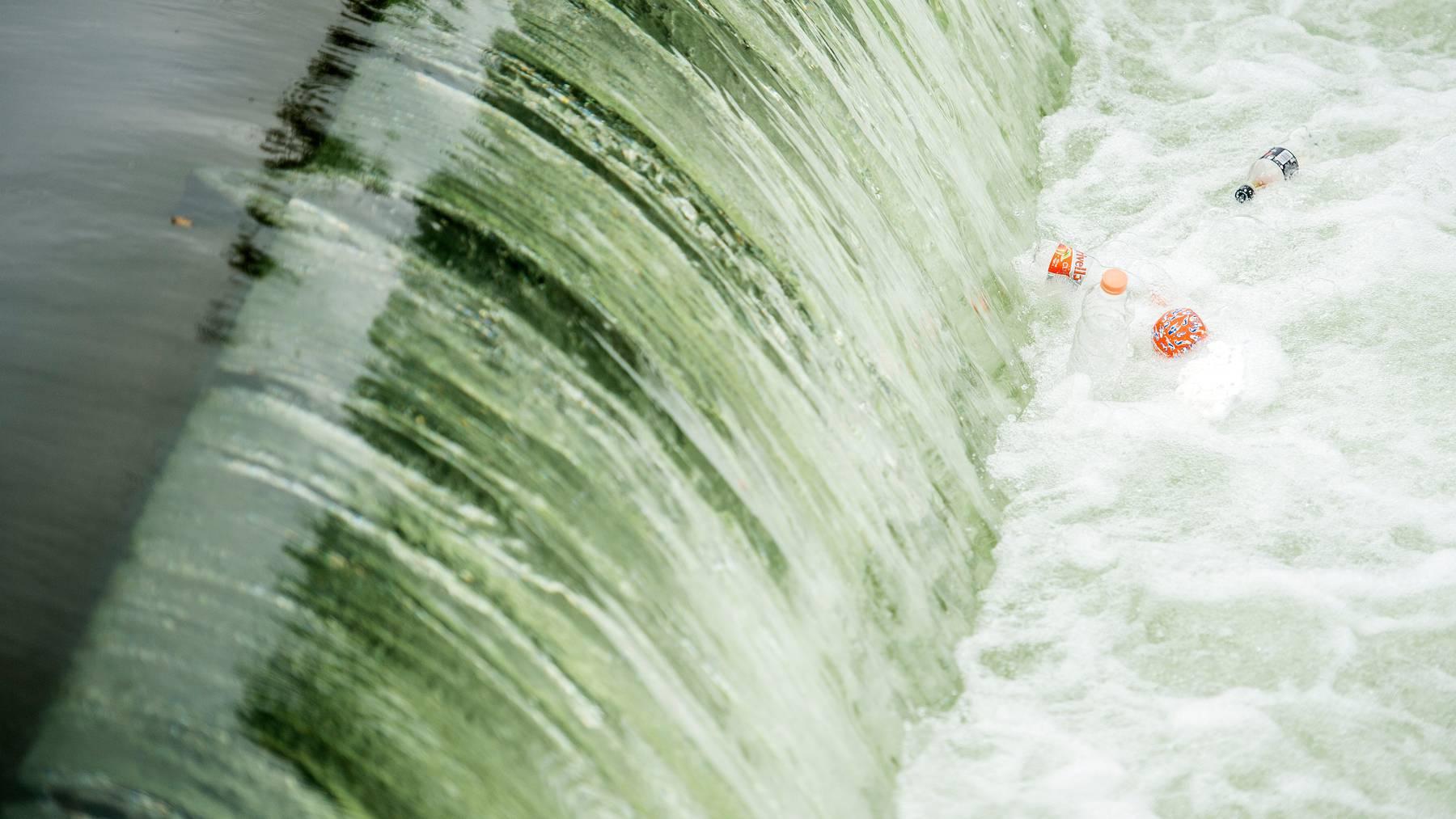 Eine Wasserwalze wurde dem Mann zum Verhängnis (Symbolbild).