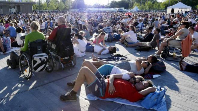 Zürcher lieben ihren Sechseläutenplatz. Hier bei einem der zahlreichen Events: einer Opernübertragung am 21. Juni 2014.