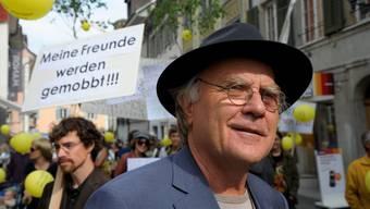 Die Einstellungsverfügungen sind nun rechtskräftig. Die beiden Partnerinnen von Samuel Widmer (auf dem Bild), Psychiater und Leiter der Kirschblütengemeinschaft, erhalten je 2000 Franken Genugtuung.