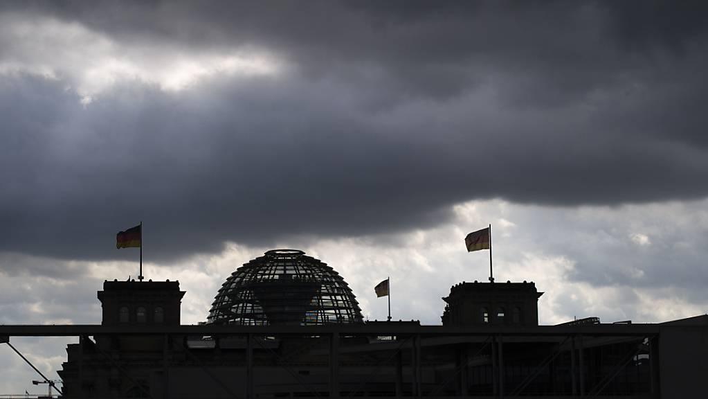 Die Unionsparteien in Deutschland sinken in der deutschen Wählergunst, nachdem vor eine Woche das Klimapaket verabschiedet worden ist. (Symbolbild Reichstag Berlin)