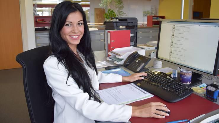 Saranda Maliqi arbeitet als Gemeindeschreiber-Assistentin und Lehrlingsverantwortliche seit drei Jahren bei der Gemeindeverwaltung in Rothrist.