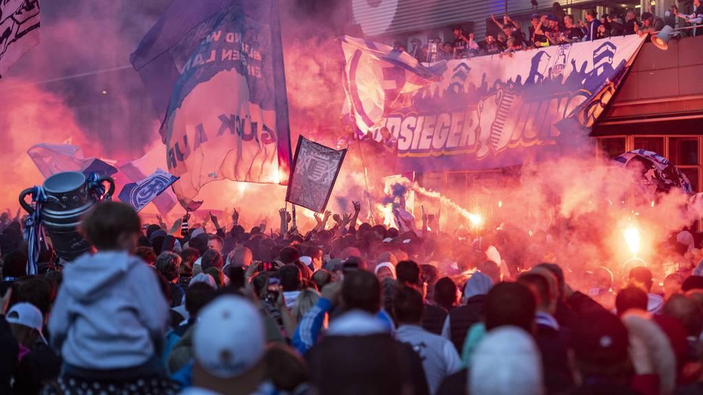 Anzeigen gegen FC Luzern und Pyro-Zünder eingereicht