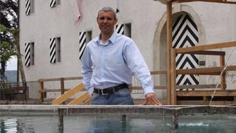 Müde, aber glücklich: OK-Präsident Michel Indrizzi gestern Vormittag beim Brunnen in der Unteren Hofstatt. CM
