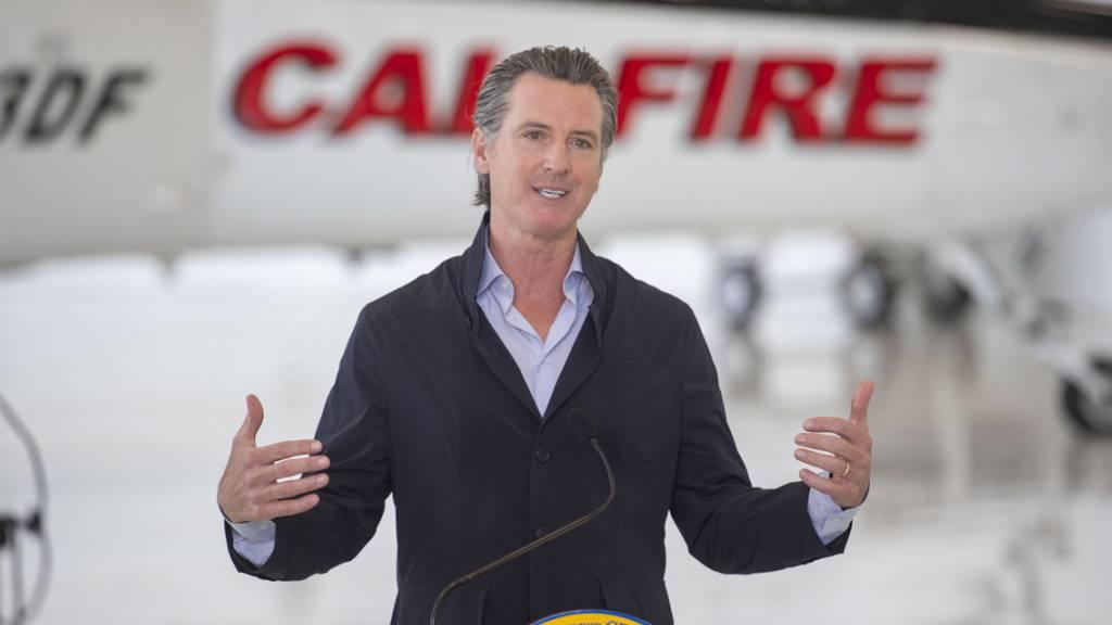 Kaliforniens Gouverneur Gavin Newsom erklärte am Montag, dass zahlreiche Lockerungen der Coronavirus-Massnahmen wieder rückgängig gemacht werden. (Archivbild)