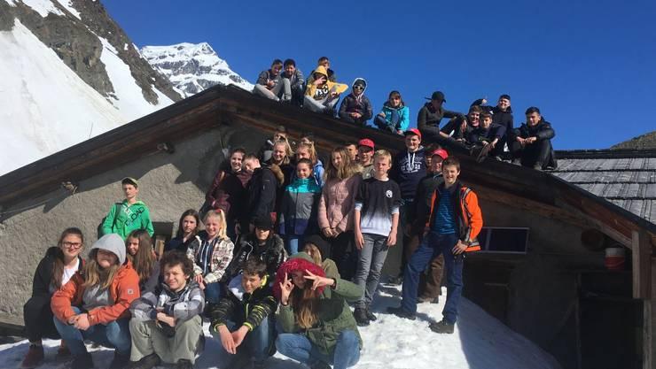 Klassenfoto auf der Alp Suot