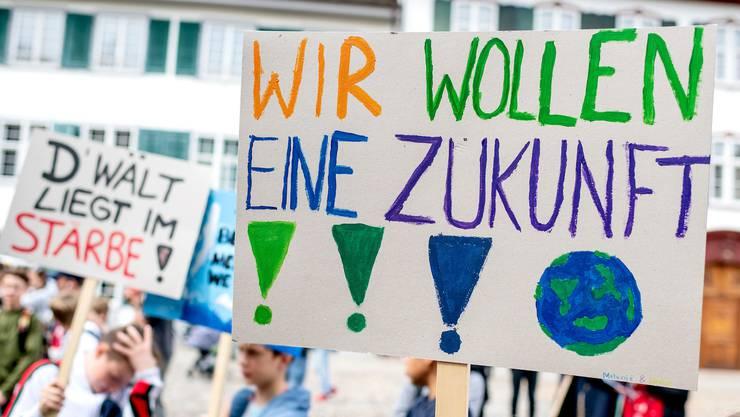 Die Demonstrierenden forderten darin von der Zürcher Stadtregierung einen stärkeren Einsatz für die Einhaltung der Klimaschutzziele.