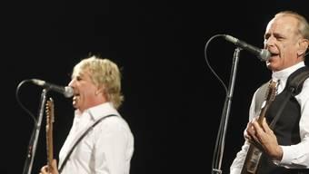 Die britische Band Status Quo (mit Francis Rossi, rechts, und Rick Parfitt, links) hat ihre Backbone Tour und somit auch das Konzert in Zürich absagen müssen.