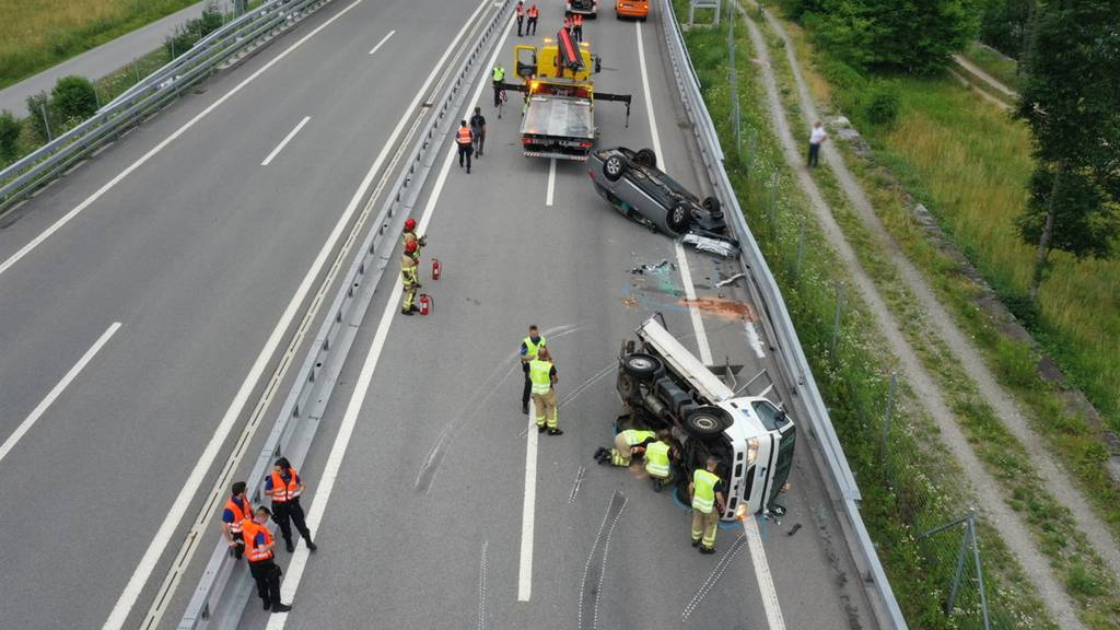 Auffahrkollision auf der A13 – zwei Verletzte