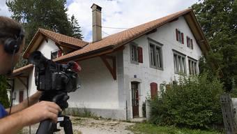 In diesem Haus im neuenburgischen Verrières hat sich das Drama im August 2017 abgespielt. (Archivbild)