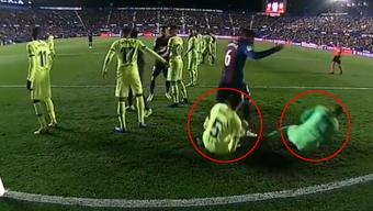 Erstaunlich synchron, die beiden Barça-Spieler.